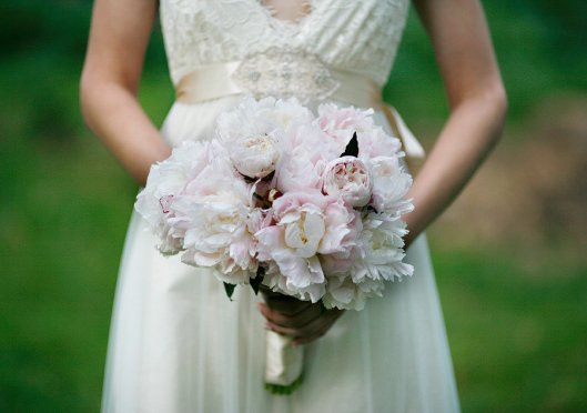 romantic-spring-wedding-outdoor-venue-ivory-light-pink-peony-bridal-bouquet.full